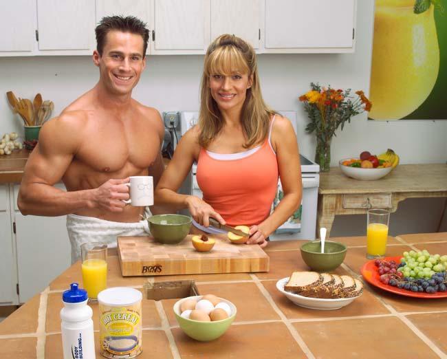 Завтрак: как правильно есть по утрам