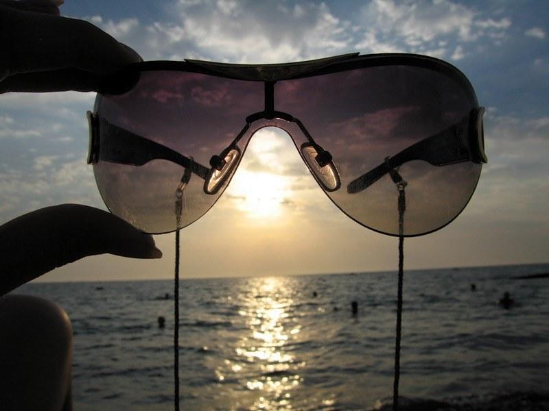 Защита глаз от воздействия солнечных лучей