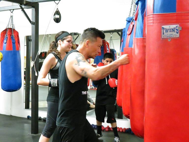 14 плюсов от тренировок с боксерским мешком дома или в офисе