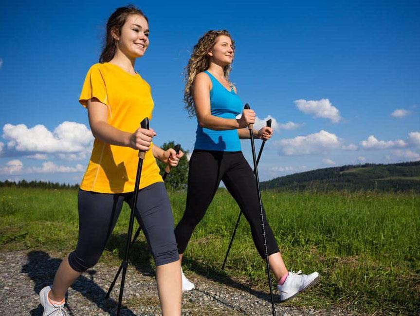 Скандинавская ходьба — увлекательная техника для похудения